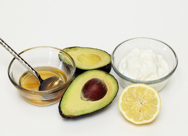 Hair Treatments for Kinky Curly - 3 Egg Yolk With 1 Tablespoon Jojoba Oil And 1 Mashed Avocado