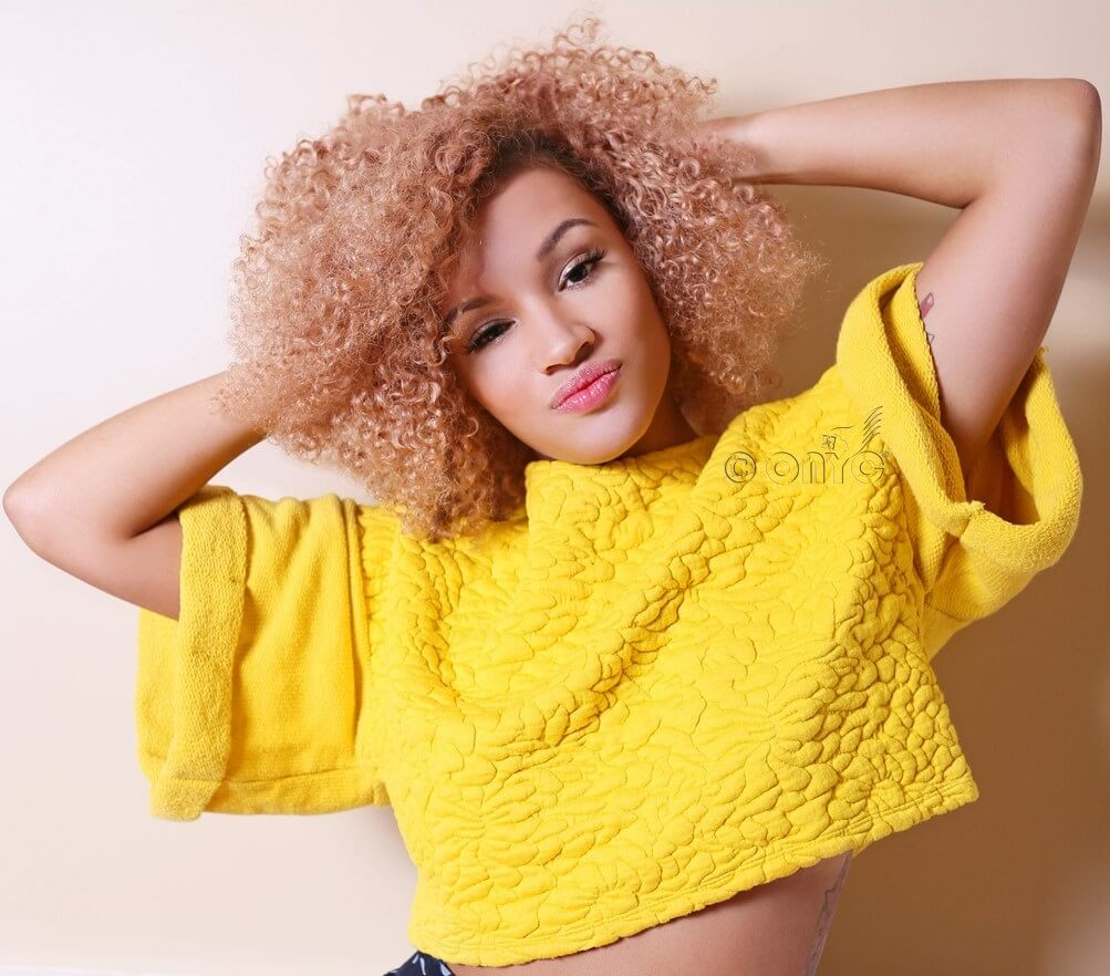 Blonde Kinky Curly Review From MTVs Naomi Defensor ONYC Hair6