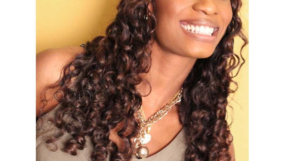 Gloria Wearing Curly 3A Beautiful Curl Pattern