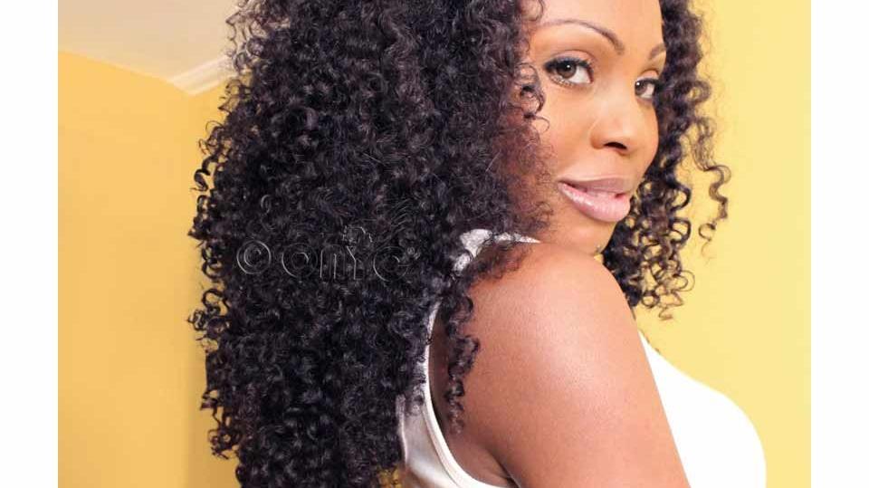 Thelma Okoro Wearing Kinky 3B3C 24 Inches