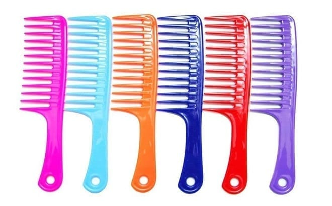 Best Detangling Techniques for Natural Curly Hair Use Of Wide Toothed Comb
